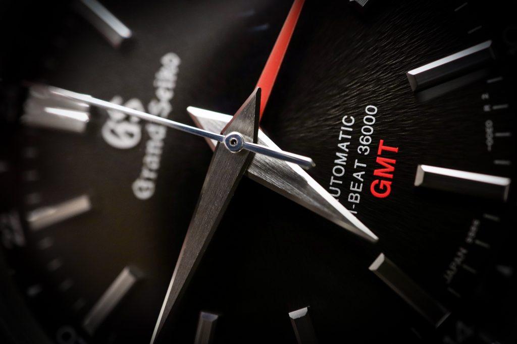 Hands-On: Grand Seiko Hi-Beat GMT SBGJ203 - ATELIER DE GRIFF